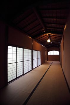 Japanese traditional tatami room Modern Japanese Architecture, Japanese Buildings, Asian Architecture, Historical Architecture, Sustainable Architecture, Residential Architecture, Architecture Design, Pavilion Architecture, Japanese Mansion