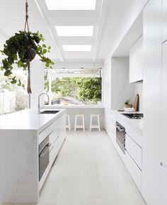 Clean And Sharp Modern Kitchen Designs – Kitchen Ideas – Kitchen Decoration Kitchen Time, New Kitchen, Kitchen Decor, Kitchen Island, Long Kitchen, Kitchen Layout, Kitchen Ideas, Three Birds Renovations, Integrated Fridge