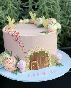 Garden Birthday Cake, Fairy Birthday Party, Birthday Cake Girls, First Birthday Cakes, Birthday Cake With Flowers, 7th Birthday, Birthday Ideas, Fairy Garden Cake, Garden Cakes