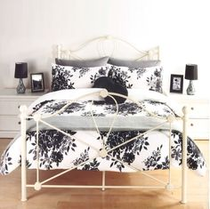 8a0519fa680 LUXURY FLORENCE FLORAL LEAF FLOWERS BLACK   WHITE DUVET SET QUILT COVER  BEDDING (Double) by Pieridae  Amazon.co.uk  Kitchen   Home