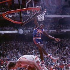 David Thompson Nc State Basketball, Basketball Leagues, Basketball Pictures, Basketball Association, Basketball Legends, College Basketball, Basketball Jones, Nba Europe, David Thompson