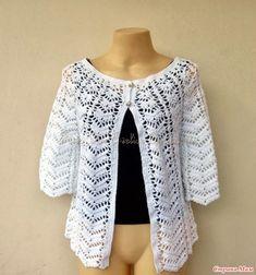 Fabulous Crochet a Little Black Crochet Dress Ideas. Georgeous Crochet a Little Black Crochet Dress Ideas. Crochet Jacket Pattern, Gilet Crochet, Crochet Cardigan, Lace Cardigan, Black Crochet Dress, Crochet Lace, Knitting Patterns, Crochet Patterns, Crochet Woman
