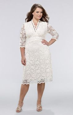 """another pinner said """"Curvety, modèle Luxe Lace"""" - a nice fuller-figure rehearsal dinner dress?"""