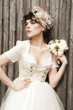 http://de.dawanda.com/product/47215106-Hochzeitskleid-Brautdirndl-Tutu ...