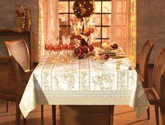 Toalha de mesa Golden Rose. Detalhes em gliter dourado e acabamento Easy Wah.