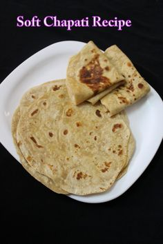 chapati recipe is a very common breakfast round shape made with atta and is served with any side dish be it a vegetable side dish or non veg side dish. Roti Recipe Indian, Soft Chapati Recipe, Chapati Recipes, Vegan Roti Recipe, Thai Roti Recipe, Roti Bread, Plats Healthy, Indian Breakfast, Indian Kitchen