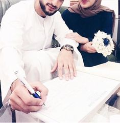 One day in shaa allah✨. Muslim Couple Photography, Rustic Wedding Photography, Barn Wedding Photos, Bridal Photography, Wedding Ideas, Photography Couples, Wedding Pictures, Wedding Details, Cute Muslim Couples