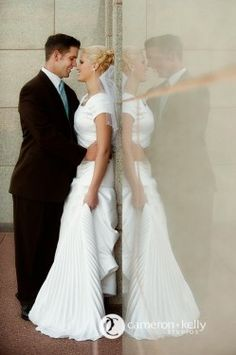 LDS Temple Sealings, LDS Wedding, LDS Bride, LDS Groom  We love Temples at: www.MormonFavorites.com