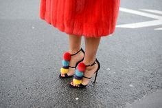 Paris Street Style: Haute Couture Spring 2015 See the chicest attendees of the Haute Couture spring 2015 shows, shot by our man on the streets, Dan Roberts. Fashion Bubbles, Style Haute Couture, Couture Fashion, Paris Fashion, Vogue, Street Style, Dream Shoes, Hippie Chic, Mode Inspiration