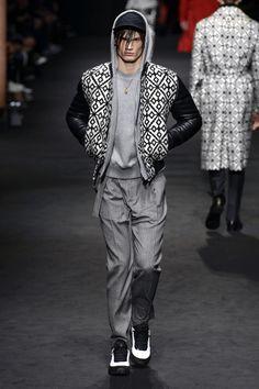 Versace | Menswear - Autumn 2017 | Look 25