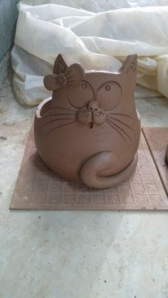 Ceramic Pots, Ceramic Clay, Ceramic Pottery, Pottery Art, Pottery Animals, Ceramic Animals, Pottery Sculpture, Sculpture Clay, Clay Art Projects