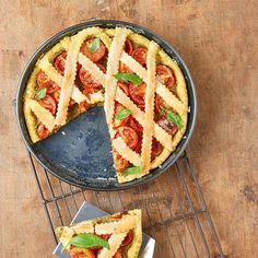 Kerstomaatjestaart met pesto ingredienten - Jamie magazine