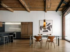 This interior renovation project by LINEOFFICE is a 110 sqm loft in the SOMA neighborhood of San Francisco, California. More Loft renovation ideas on Home Interior, Kitchen Interior, Interior And Exterior, Interior Decorating, Loft Decorating, Loft Kitchen, Nice Kitchen, Decorating Websites, Open Kitchen