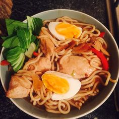 Syn Free Chicken Ramen — Slimming World Survival Slimming World Meal Prep, Slimming World Survival, Slimming World Recipes, Spicy Chicken Pasta, Chicken Recipes, Healthy Snacks, Healthy Eating, Healthy Recipes, Spicy Dishes