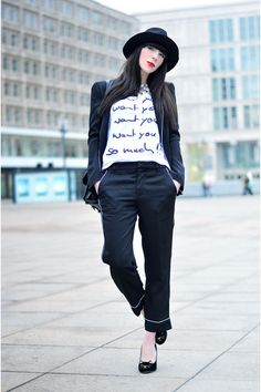 Black-zara-hat-white-printed-shirt-saint-noir-shirt