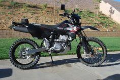 DRZ400 Enduro with Black Wheels