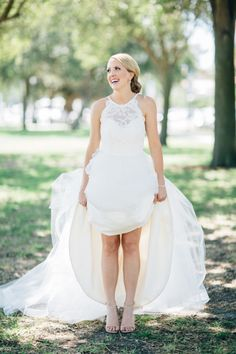 Halter neck wedding dress