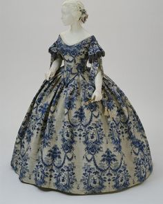 acquard-woven silk evening dress, ca. 1850. In the collection of the Philadelphia Museum of Art ���
