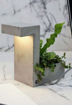 LED concrete planter lamp with USB charger. Go green with this concrete desk lamp and mini planter. Cement Design, Cement Art, Beton Design, Concrete Crafts, Concrete Projects, Diy Cement Planters, Concrete Planters, Diy Flowers, Flower Pots