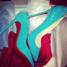 OMW I love the color of these shoes!! so awesome, and of course RED BOTTOMS!!!