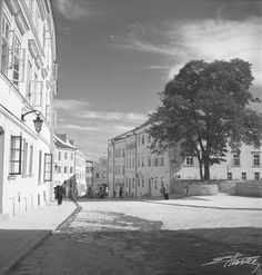 Beautiful Buildings, Poland, Black And White, City, Photos, Photography, Outdoor, Historia, Outdoors
