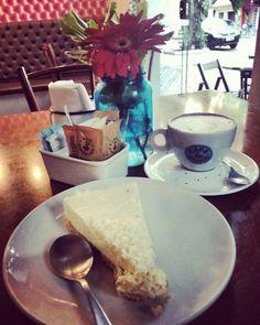 Porque eu mereço!!! #coffeelover #coffee #cappuccino #Kaffee #ichliebekaffee #