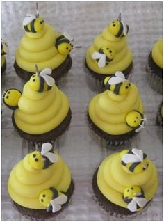Bee themed cupcakes - specifically, use this style of wing as almonds slices for wings should be avoided.