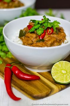 Beef in peanut sauce - warms fingers, stomach and soul <3 And hey, it's gluten- and dairy-free too!
