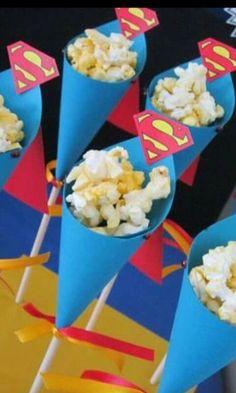 Ideas For An Awesome Superhero Birthday Party Superman Birthday Party, Avengers Birthday, Batman Party, 1st Birthday Parties, Boy Birthday, Superhero Theme Party, Superman Party Decorations, Superhero Treats, 80s Theme