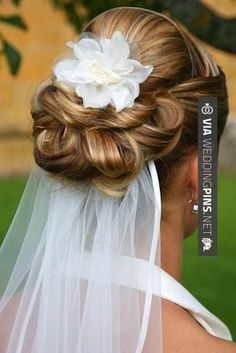 Bride's under veil with loose looped chignon bun and flower bridal hair ideas Toni Kami Wedding Hairstyles ? by white girl (low bridal updo bun hairstyles) Hairdo Wedding, Wedding Hairstyles With Veil, Wedding Hair And Makeup, Wedding Veils, Bride Hairstyles, Wedding Bouquet, Hair Makeup, Chignon Wedding, Short Hairstyles