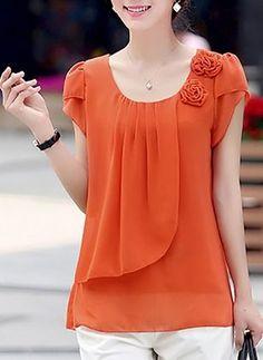 Blouses for women – Lady Dress Designs Blouse Styles, Blouse Designs, Short Tops, Mode Style, Dress Patterns, Blouses For Women, Designer Dresses, Chiffon Tops, Chiffon Shirt