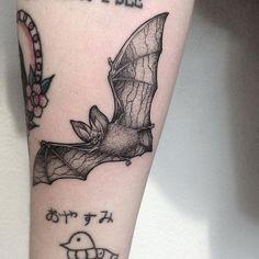 Tattoodo- Tattoodo Pointillism tattoo by Anna Neudecker. Leg Tattoos, Body Art Tattoos, Sleeve Tattoos, Cool Tattoos, Punk Tattoo, Skull Tattoos, Geometric Tattoo Pattern, Pattern Tattoos, Geometric Tattoos