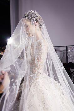 Gorgeous wedding veil, with beautiful Juliet bridal cap. Mode Inspiration, Wedding Inspiration, Perfect Wedding, Dream Wedding, Luxury Wedding, Wedding Simple, Vogue Beauty, Wedding Veils, Wedding Scene