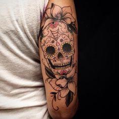 Sugar Skull Tattoo by Rafael Macieira Skull Girl Tattoo, Sugar Skull Tattoos, Arm Tattoo, Tattoo Sleeve Designs, Tattoo Designs For Women, Sleeve Tattoos, Trendy Tattoos, Tattoos For Guys, Louisiana Tattoo