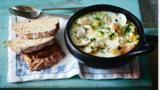 Loaded with different types of fish, this simple chowder recipe stands or falls on the freshness of the ingredients. Serve with traditional soda bread. Healthy Microwave Meals, Microwave Recipes, Ways To Eat Healthy, Healthy Eating, Healthy Recipes, Healthy Food, Steamed Clams, Fish Chowder