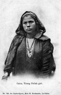 Africa | Young Fellah girl.  Cairo || Vintage postcard; Au Carto-Sport, Max H. Rudmann, Le Caire.  No 123
