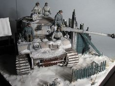 Dioramas and Vignettes: To Leningrad! Diorama Militar, Winter Camo, Tin Can Lanterns, Steampunk Crafts, Tiger Tank, Modeling Techniques, Model Tanks, Military Modelling, Ww2 Tanks