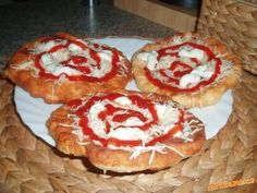 ♥♥♥LANGOŠE S POSTUPEM FAKT VÝBORNÉ!!!!!!!!!!!♥♥♥ZVLÁDNE KAŽDÝ♥♥♥OSTATNÍ RECEPTY NA LANGOŠE RUŠÍM Savory Pastry, Czech Recipes, Pizza, Muffin, Good Food, Food And Drink, Sweets, Bread, Dinner