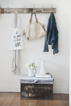 pretty vintage rustic beach cottage finds