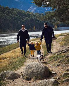 @davidalayeto D Alayeto Instagram post 𝘕𝘈𝘛𝘜𝘙𝘌 𝘘𝘜𝘈𝘓𝘐𝘛𝘠 𝘛𝘐𝘔𝘌 𝘐𝘕 𝘍𝘈𝘔𝘐𝘓𝘠 #davidyjordi#lucasycloe#andorra🇦🇩#familytime#sundayfunday#husbandandhusband#mountainlovers#lake#engolasters Andorra, Quality Time, Fathers, Couple Photos, Couples, Instagram Posts, Nature, Dads, Couple Shots