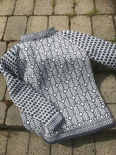 Ravelry Project Gallery for Kornmogenser pattern by P belstrikk by Lene del Otero Fair Isle Knitting Patterns, Knitting Stitches, Knitting Yarn, Knit Patterns, Knitting Needles, Ravelry, Motif Fair Isle, Knitting Projects, Tejidos