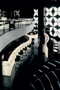 Armani Hotel Dubai in دبي, دبي http://tasteoflifemag.com/travel/fashionable-interiors