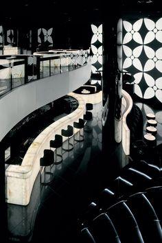 Armani Hotel Dubai in دبي, دبي http://tasteoflifemag.com/travel/fashionable-interiors