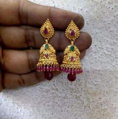 Jewelry Design Earrings, Gold Earrings Designs, Necklace Designs, Jhumka Designs, Gold Bangles Design, Gold Jewellery Design, Gold Bridal Earrings, Gold Necklace, Gold Jewelry Simple