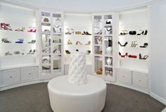 cute shoe closet but i don't think it can hold all my shoes