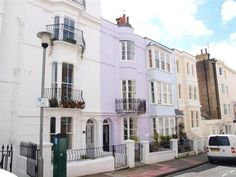 I found this on Rightmove - Lilac House in Brighton? Oh my word! £575k *sad face*