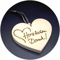 """Man kann auf viele Arten Danke sagen. Mit unseren Zirben Holz Herzen können Sie auf eine ganz persönliche und liebevolle Art """"DANKE"""" sagen!"""