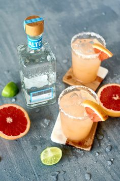 Five Tequila Cocktails You've Probably Never Tried Before (But You Totally SHOULD!) The Improved Paloma cocktail – tequila, lime, grapefruit, and basically everything else you want to be drinking this spring. Mezcal Cocktails, Beste Cocktails, Spring Cocktails, Summer Cocktails, Cocktail Drinks, Cocktail Recipes, Alcoholic Drinks, Cocktail Tequila, Cocktails Using Tequila