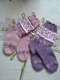 Knit Socks, Knit Mittens, Knitting Socks, Mitten Gloves, Crochet Slippers, Knit Crochet, Sweater Outfits, Fingerless Gloves, Arm Warmers