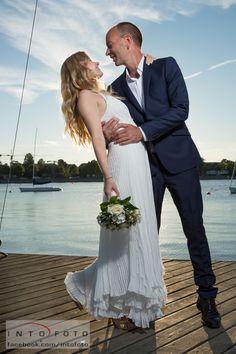 Brudepar på molen #Bryllup #Wedding #Bryllupsfotograf #Intofoto #Bryllupsfoto #Bryllupsfotografering #Hillerød #Nordsjælland